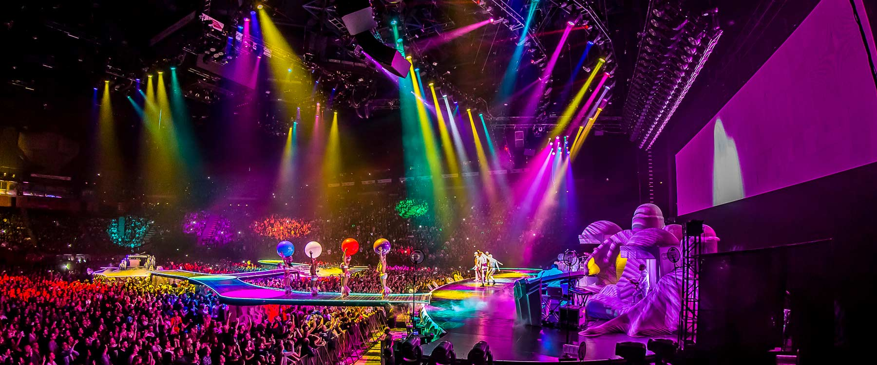 solotech_tour_lady_gaga_artrave_1.jpg
