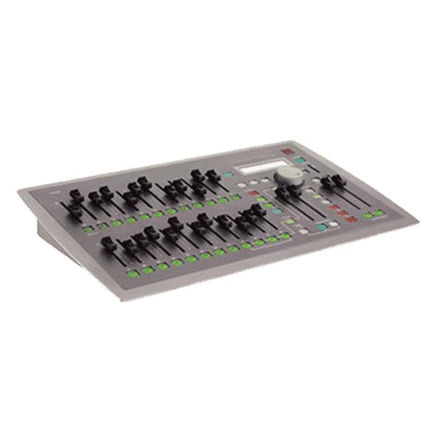 Electronic Theatre Controls, SF2496, Console d'éclairage compacte